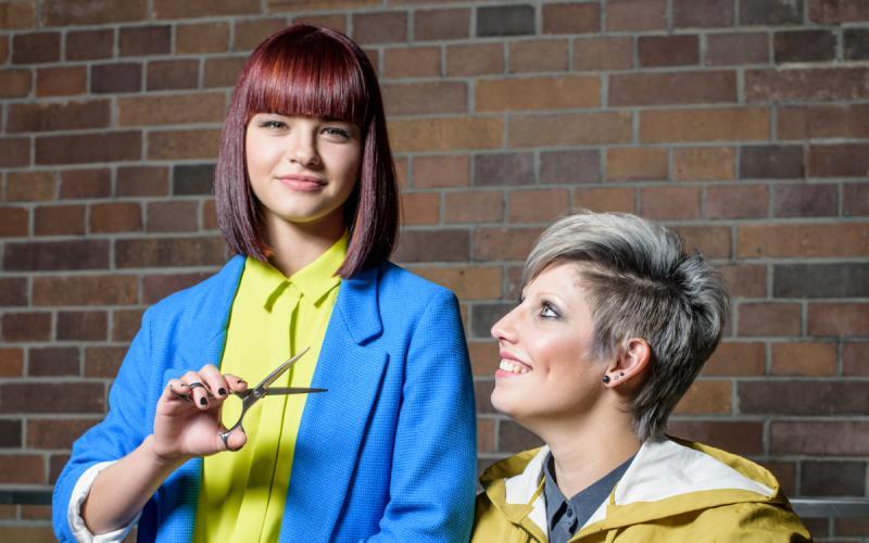 KLIPP Frisurentrends 2015 Herbst - Sidecut und Pony - Damenfrisur